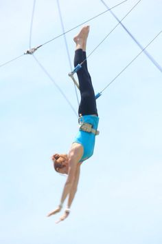 Flying trapeze circus