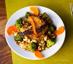 Sweet n Smoky Tofu Cashew Broccoli Bowl