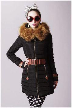 Moncler Fragon Fell Kapuze Daunenmantel mit Gürtel für Frauen in Schwarz Moncler Mantel Fashion