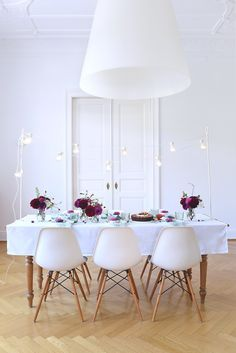Late Summer Tabletop Style In Rich Colors