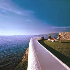 Explore the best of the best at Grand resort Lagonissi: Luxury-Greek-Resort-Adelto_01