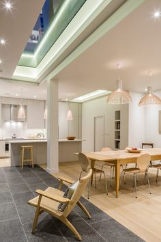 Muswell Hill House in the UK with several Secto Design lights. Design by Jones Associates Architects. 1930s House Exterior, 1930s Home Decor, Small Kitchen Layouts, Kitchen Ideas, Bungalow Renovation, Interior Architecture, Interior Design, London Property, Building A New Home