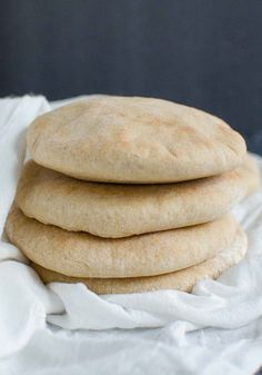 Healthy and delicious whole wheat pita bread. Try them with homemade hummus or turn them into pita chips