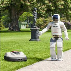 Honda komt met zijn eerste commerciële robot product voor huishoudelijk gebruik. De robotgrasmaaier Miimo. De Miimo navigeert door de tuin door middel van een intelligente combinatie van controles, timers en real-time sensorische feedback. De robotmaaier werkt binnen een begrenzingskabel, geïnstalleerd onder de grond of in het gras waarmee de omtrek van de tuin wordt bepaald.  http://robots.nu/honda-komt-met-robotgrasmaaier-in-2013-miimo/