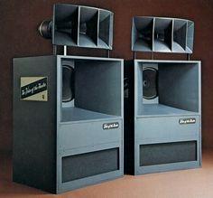 Pro Audio Speakers, Big Speakers, Audiophile Speakers, Horn Speakers, Hifi Audio, Car Audio, Equipment For Sale, Audio Equipment, School Equipment