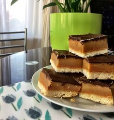 Due to demand, I am finally sharing the recipe for the gluten & dairy-free Millionaire Shortbread. I made these as a reward to everyone who took part in the #Badass Bootcamp during January…They…