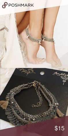 NWT Free People Silver Tassel Raindrops Anklet Set Brand new, silver tone, with neutral tassels! Set comes with 2 matching adjustable ankle bracelets by free people. Happy to consider offers and ship next day. ☺ Free People Jewelry