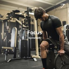 Get ready. Take your workout to the extreme with the Focus Playlist, songs chosen to have you so in the zone, you won't give up. Fitness Models, Fitness Gym, Bodybuilder, Academia Fitness, Gym Photos, Fitness Photoshoot, Gym Quote, Workout Pictures, Fitness Photography
