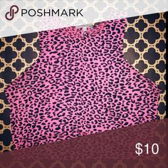 NWT CHEETAH PRINT CROP TANK TOP DESCRIPTION  •cheetah print hot pink  •crop top   •stretchy fit  •True to size  SELLER INFORMATION   •Shipping between 1-2 days  •No offers price is set   •New inventory coming soon!   LETS KEEP IN TOUCH!  •Any questions about this item contact me (909) 843-9297   •Instagram 📷 @ceelinalinn  Happy poshing thank you for shopping my closet! Tops Crop Tops