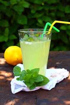 Cocina – Recetas y Consejos Best Lemonade, Mexican Food Recipes, Healthy Recipes, Eat Healthy, Dessert Drinks, Mets, Food Illustrations, Cocktail Drinks, Cocktails