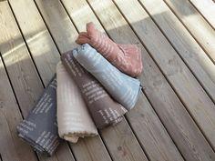 Gewebte Bibelverse in 5 Farben. Fashion, Hemp, Bible Verses, Weaving, Textiles, Cotton, Moda, Fashion Styles, Fashion Illustrations