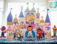 Dee Lee Designs's Birthday / It's A Small World - Sara's It's A Small World Birthday Celebration at Catch My Party Disney World Birthday, Disneyland Birthday, 1st Birthday Parties, Birthday Celebration, Birthday Ideas, 4th Birthday, Party Sweets, Disney Theme, First Birthdays