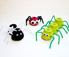 "bug crafts, spiders for spring door- ""Catch the learning bug!"" Add net."