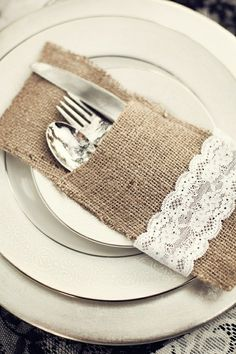 Burlap silverware pockets with lace. Too cute!