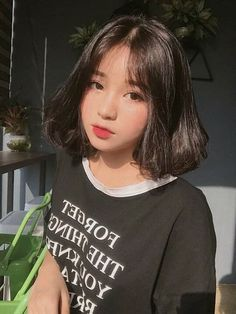 Lấy or save=fl dii Ulzzang Short Hair, Korean Short Hair, Ulzzang Korean Girl, Cute Korean Girl, Asian Girl, Girl Short Hair, Short Girls, Pelo Ulzzang, Japonese Girl