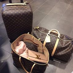 2018 New Louis Vuitton Handbags Collection for Women Fashion Bags Must have it Luxury Bags, Luxury Handbags, Designer Handbags, Designer Bags, Luxury Purses, Luxury Designer, Louis Vuitton Handbags, Louis Vuitton Monogram, Lv Handbags