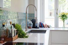 Turkusowa glazura w kuchni