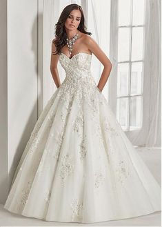 Romantic Tulle Sweetheart Neckline A-line Wedding Dress With Beaded Lace  Appliques   3D Flowers a819be1e30