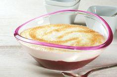 Fruchtiges Dessert mit Kirschgrütze, Joghurt und Sahne - schnell zubereitet.