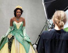 Celebridades viram personagens da Disney