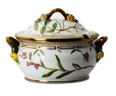 Flora Danica 101 1/2 Oz Round Covered Soup Tureen By Royal Copenhagen