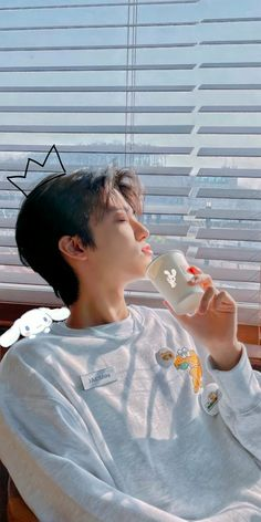 Jaehyun Nct, Bts Aesthetic Pictures, Aesthetic Boy, Nct Logo, Kpop Backgrounds, Photo Editing Vsco, Nct Dream Jaemin, Funny Kpop Memes, Jeno Nct