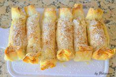 Pastéis de maçã e nozes Portuguese Desserts, Portuguese Recipes, Cheesecakes, Crepes And Waffles, Good Food, Yummy Food, Pound Cake Recipes, Tasty Bites, Dessert Drinks
