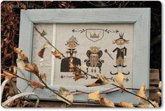 Halloween Royal Family cross stitch pattern by Madame Chantilly at thecottageneedle.com October Autumn jack-o-lanterns pumpkins embroidery by thecottageneedle