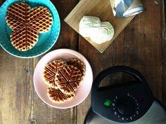 Kaiva vohvelirauta esiin! Kokeile 4 uutta tapaa käyttää rautaasi   Soppa365 Croissant, Skagen, Waffles, Vegetarian, Baking, Breakfast, Sweet, Food, Essen