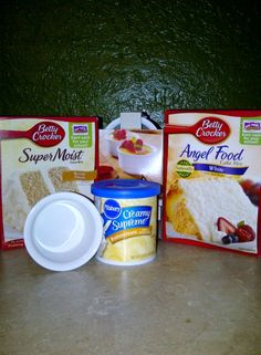 This is a fun recipe for a quick sweet. Mix 1 cake mix with 12 angel food cake mix. Take 3 T of mix, add 2 T water and microwave for 1 minute. Mug Recipes, Cake Mix Recipes, Sweet Recipes, Snack Recipes, Dessert Recipes, Cake Mixes, Quick Dessert, Quick Cake, Recipies