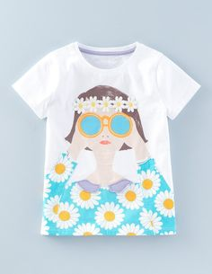 Designed with holidays in mind, inject some colour into your t-shirt drawer with these gorgeous, soft cotton t-shirts. Choose either sparkling sunglasses and surfboard, 3D daisies, or appliqué snorkel and fish.