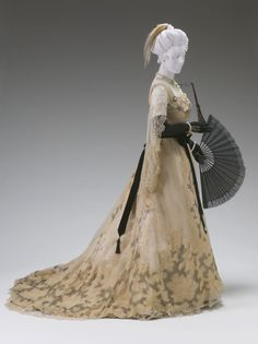 Evening or reception dress by Worth, 1890-95 Paris, the Mint Museum