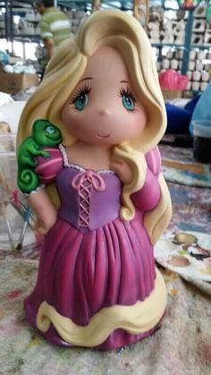 Clay Fairy House, Princess Peach, Disney Princess, Clay Fairies, Ceramic Animals, Pasta Flexible, Cold Porcelain, Princesas Disney, Rapunzel