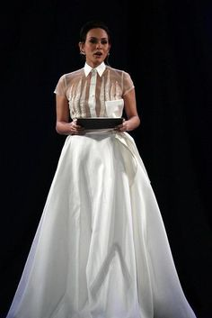 Filipiniana Philippines Fashion, Philippines Culture, Fashion 101, Fashion Wear, Barong Tagalog For Women, Modern Filipiniana Dress, Grad Dresses, Wedding Dresses, Filipino Fashion