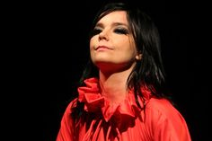 Bjork to receive her own Retrospective at MoMa next year | Buro 24/7
