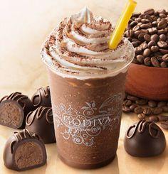 ゴディバがコーヒー風味のガナッシュをダークチョコレートで包んだ「マチルダ」というトリュフをイメージして作った、期間限定のチョコレートドリンクが「ショコリキサー ダークチョコレート コーヒートリュフ」。