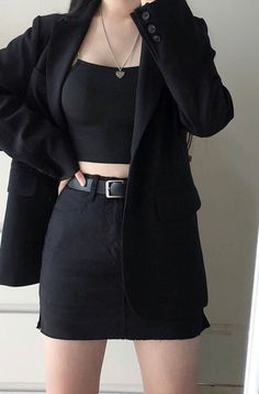 Pretty Outfits, Chic Outfits, Girl Outfits, Mafia Outfit, Supreme Clothing, Outfit Combinations, Trendy Clothes For Women, Well Dressed, Aesthetic Clothes