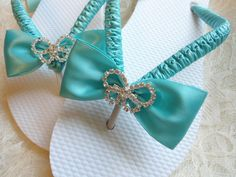 Aqua Blue wedding sandals. Bridal flip flops decorated w/ rhinestone butterfly. Maid of honor gift, beach wedding. Bridesmaids colors
