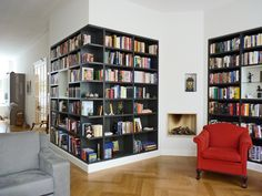 home library. love these shelves. Home Library Design, Home Interior Design, House Design, Corner Bookshelves, Bookshelf Design, Book Shelves, Bookshelf Wall, Bookcases, Decorating Bookshelves