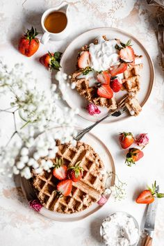 These easy and delicious vegan Belgian waffles are a healthy weekend brunch dream! Made with oat flour and completely gluten free, these oil free waffles are perfect for kids and adults alike! Healthy Waffles, Healthy Vegan Breakfast, Breakfast Recipes, Dessert Recipes, Dairy Free Pesto, Vegan Pesto, Gluten Free, Waffle Recipes, Vegan Recipes
