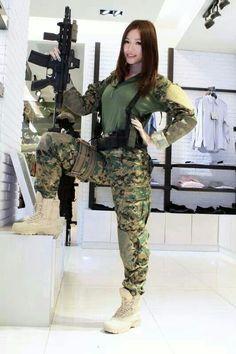 Asiatica, chica airsoft