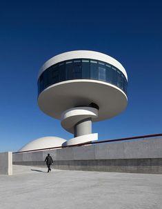 Centro Niemeyer in Avilés, España estuve ahí y esta genial