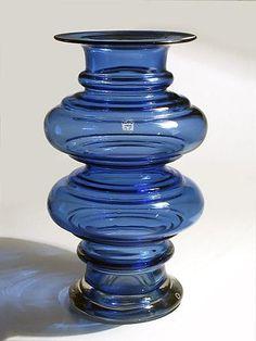 "TAMARA ALADIN - Glass vase ""Tornado"" 1344  designed 1970 for Riihimäen Lasi Oy, in production 1970-1972, Finland.   [h. 28 cm] Glass Art Design, Design Art, Interior Design, Aladin, Glass Molds, Carnival Glass, Scandinavian Design, Flower Vases, Retro Vintage"
