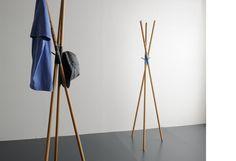 Pipeknot Hanger by Keiji Ashizawa Coat Hanger, Clothes Hanger, Coat Racks, Fine Furniture, Furniture Design, Standing Coat Rack, Diy Design, Interior Design, Coat Stands