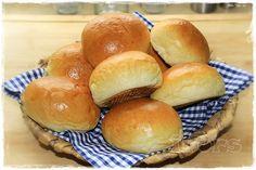 Stutenkerle   ( 6 Stück)     290 g Milch   10 g frische Hefe     3 Min./37°/St.1       60-90 g Zucker   (nach Geschmack)   500 g Mehl 4...