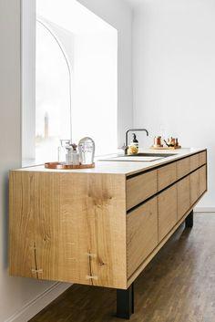 Natural wood with coloured frame - chceli by sme len spodnú kuchynskú linku, plus jednu stenu (od dlážky až po strop) kde budú police na potraviny, chladnička a pod.-obrázok bude tu na nástenke