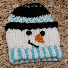 LOOM KNIT SNOWMAN HAT.  Directions included. Cute Frosty Hat, great DIY gift idea for a child. #Christmas #thanksgiving #Holiday #quote