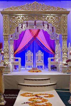 Wedding indian mandap rose petals 59 Ideas for 2019 Indian Wedding Decorations, Ceremony Decorations, Wedding Themes, Aladdin Themed Wedding, Birthday Decorations, Wedding Stage Design, Wedding Set, Trendy Wedding, Dream Wedding