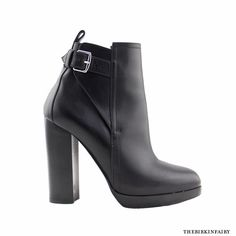 These are the black ankle boots you've always wanted! Gorgeous smooth calfskin leather boots with a palladium buckle. 5 adjustable holes make them easy to slide on and off. Fun H details in the stitching (see photo) You'll love how seamless these sexy boots fit right into your wardrobe! Shop #TheBirkinFairy Black High Heels, Black Ankle Boots, Hermes Shoes, Buckle Boots, Sexy Boots, Leather Boots, Stitching, Smooth, Fit