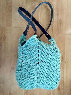 Háčkovaná taška so štvorcovým dnom, Háčkovanie, fotopostup - Artmama.sk Market Bag, Knit Crochet, Crochet Bags, Knitting, Inspiration, Hana, Crocheting, Women, Fashion